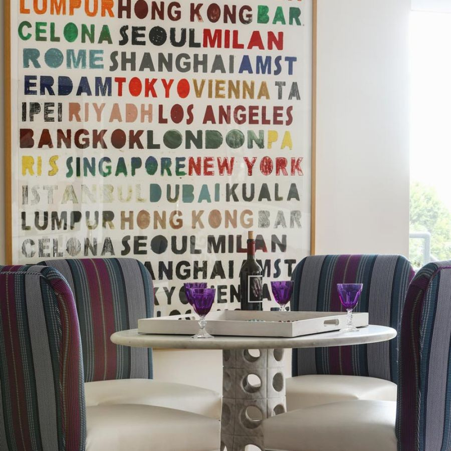 002-chic-apartment-dining-room-table-art